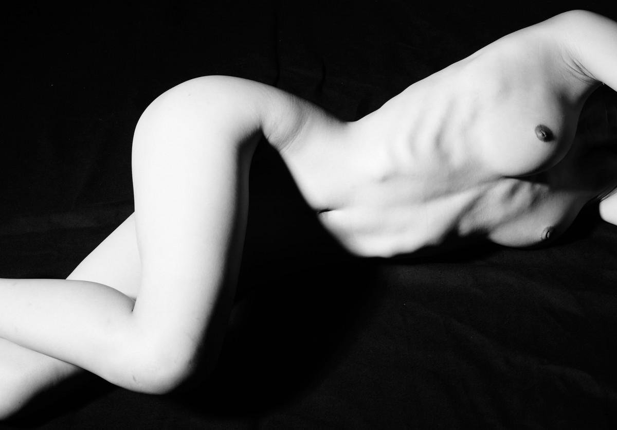nude2'